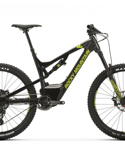 The Altitude Powerplay Carbon 50, like the 70, gets an alloy mullet and slightly more budget friendly suspension