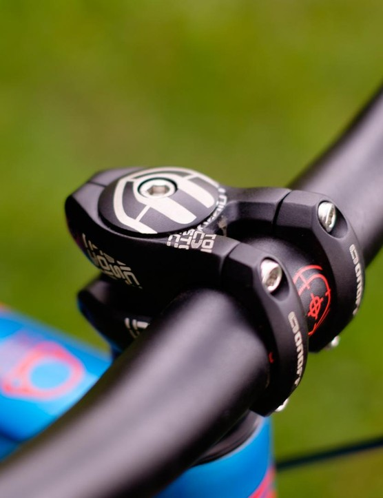 Mondraker's component brand OnOff continues to supply the 30mm stem that works so well with its forward geometry frames