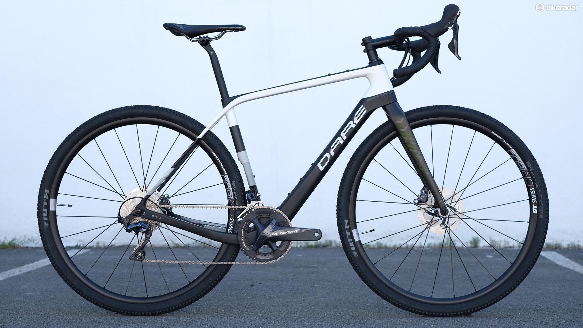The Dare GFX gravel bike shares its chassis with the company's endurance road bike, the GFE