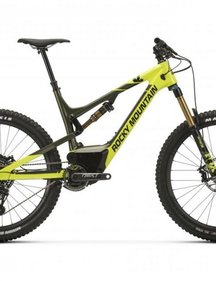 The Altitude Powerplay Carbon 90 sees a full carbon front and rear triangle