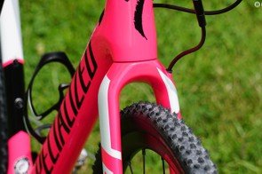 Up to 40mm tire clearance, which is sufficient for a muddy 33mm tire - after all, it's a CX race bike