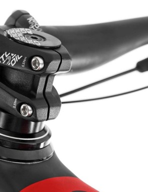 Super stubby 30mm stems — just what we'd expect from Mondraker's Forward Geometry