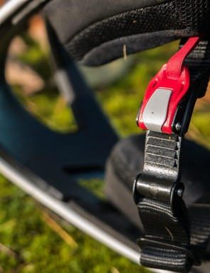 The micro-adjust ratchet can be rather uncomfortable when in use