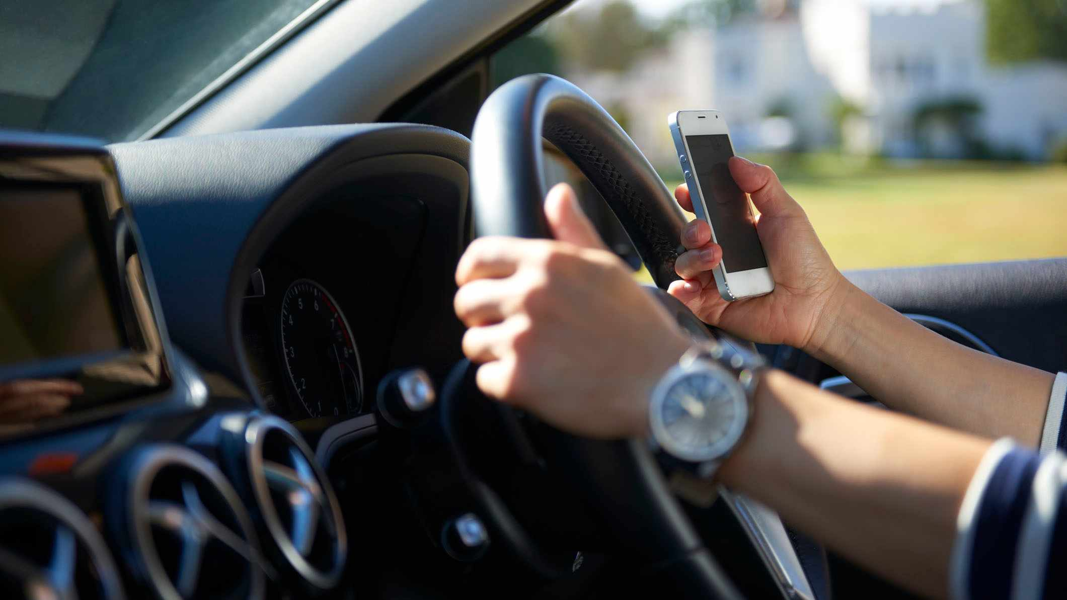 Could a 'drive safe' mode help reduce driver distraction?
