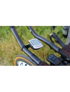 Stevens had a trusty old Garmin Edge 500 on her Specialized S-Works Shiv