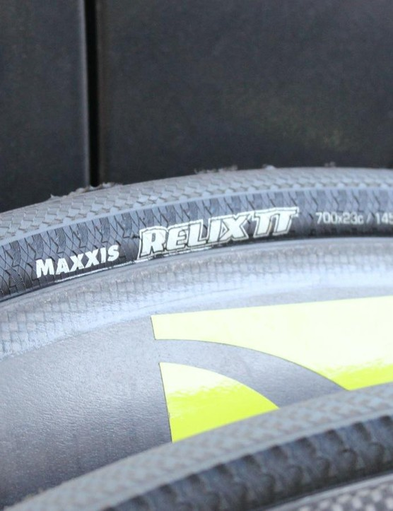 Unusual casing on this Relix TT clincher, which Maxxis claims is its lowest rolling resistance model at 160g