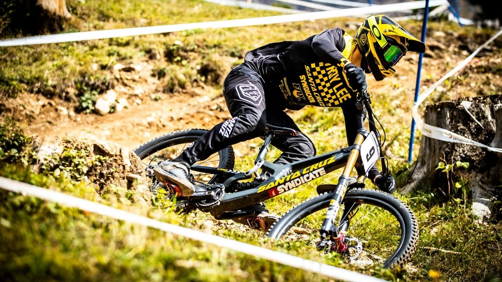 American Syndicate rider Luca Shaw putting the new V10 through its paces
