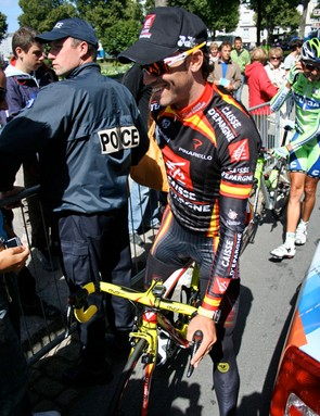 Alejandro Valverde (Caisse d'Epargne) is the new Spanish champion but his jersey is more understated and
