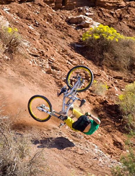 Chris Van Dine crashes
