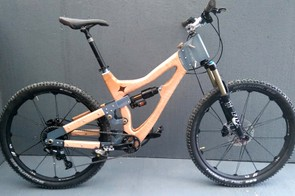 Peter Charnaud's 'Vari-angle' enduro bike allows for 15 degrees of adjustment at its head angle
