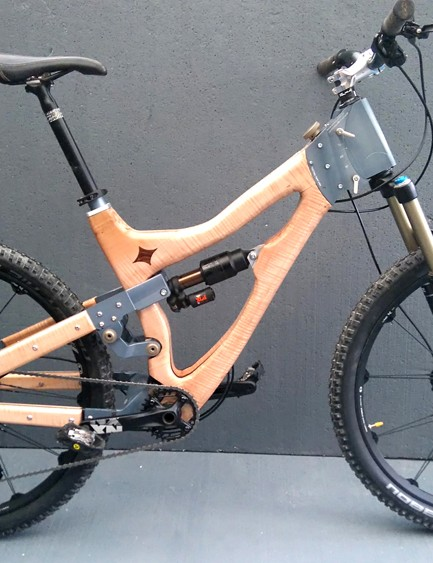 Peter Charnaud's 'Vari-angle' enduro bike allows for 15 degrees of adjustment at its head angle