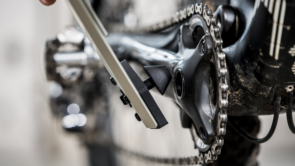 With the rotation axis around the bottom bracket, measurement is fast and easy