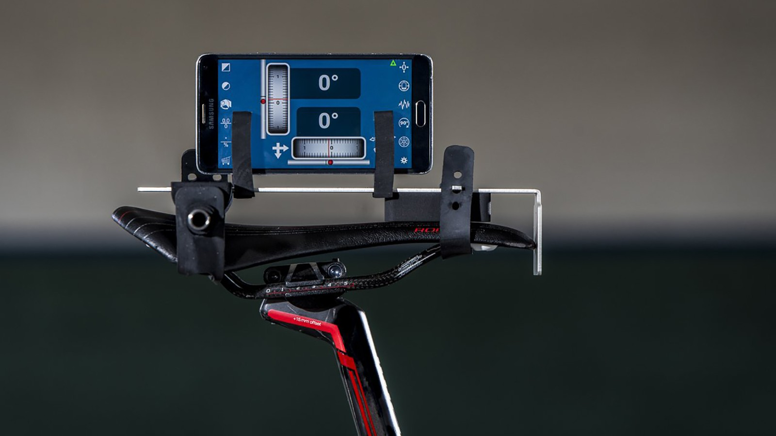The saddle adaptor allows you to make measurements consistently