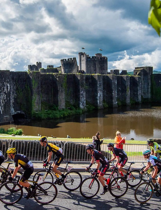 Along the way you'll cycle past iconic landmarks