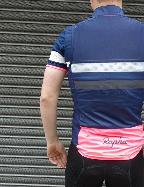 We would recommend going a size up from the gilet to the jersey