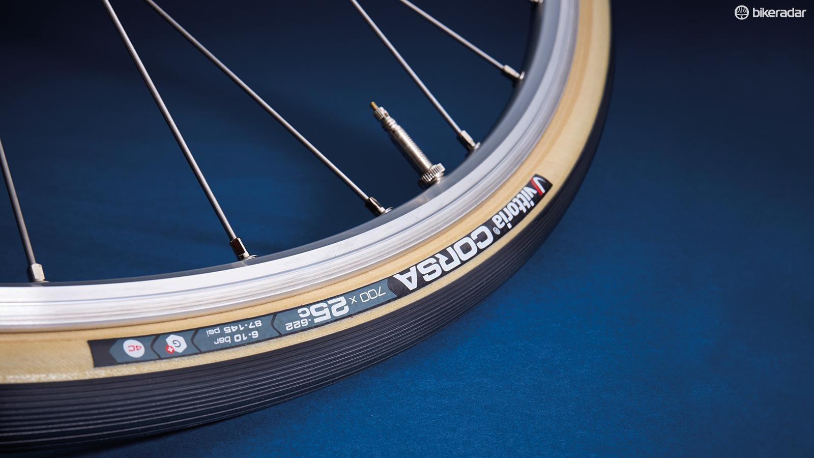 Vittoria Rubino Pro G 700x25C Graphene Road Bike Tyre Black/&Blue s
