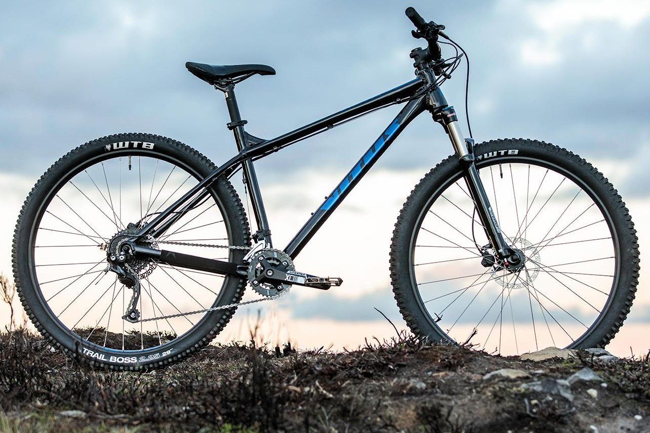 Mens Mountain Bike Large 21 Speed Big Rugged Off Road Tires 29 Inch Bicycle Ride