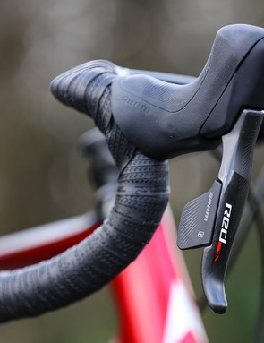 SRAM Red eTap HRD levers are larger than the rim brake versions to accommodate the hydraulics system for the brakes
