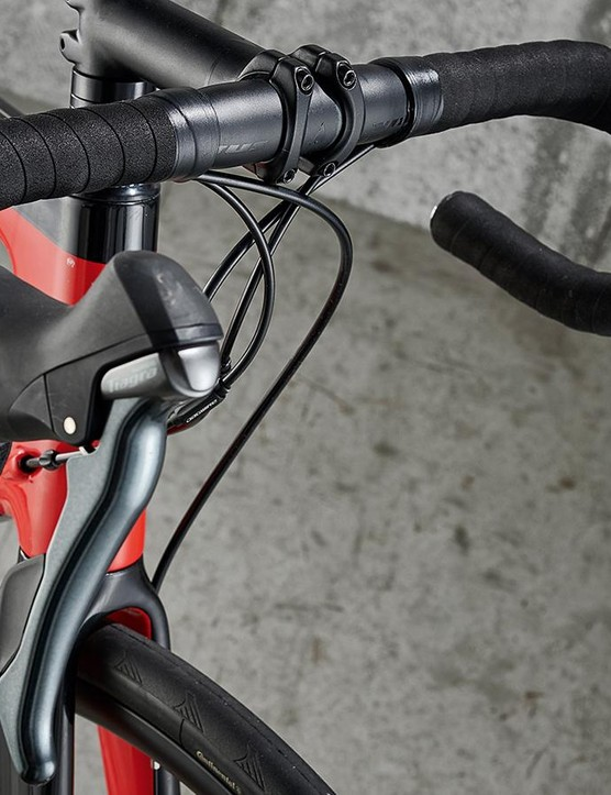 The feel of the brake levers isn't on the same level as Shimano 105, being harsh on the hands