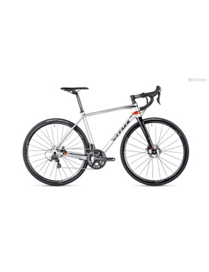 The Vitus Vitesse Evo Disc offers bags of value with a carbon frame, Ultegra shifting and hydraulic discs