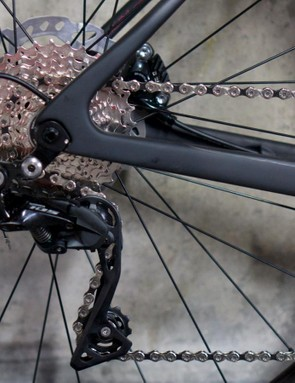 The Zenium carbon features 12mm bolt-thru axles front and rear