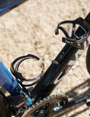 The team uses Tacx Ciro bottle cages