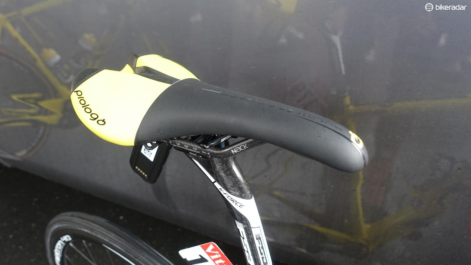 Voeckler likes a bit more padding in his Prologo Scratch Pro saddle. His seat height is 73.8 centimeters