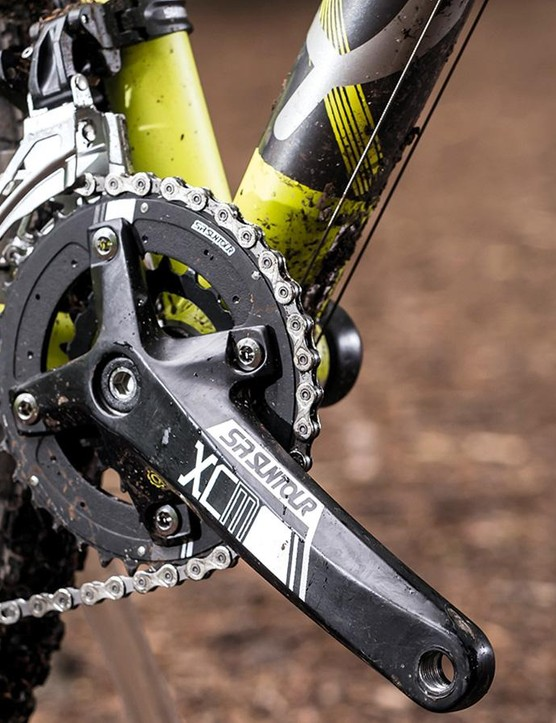 The twin-ring Suntour chainset with a Shimano Deore 10spd transmission and wide 11-36T range