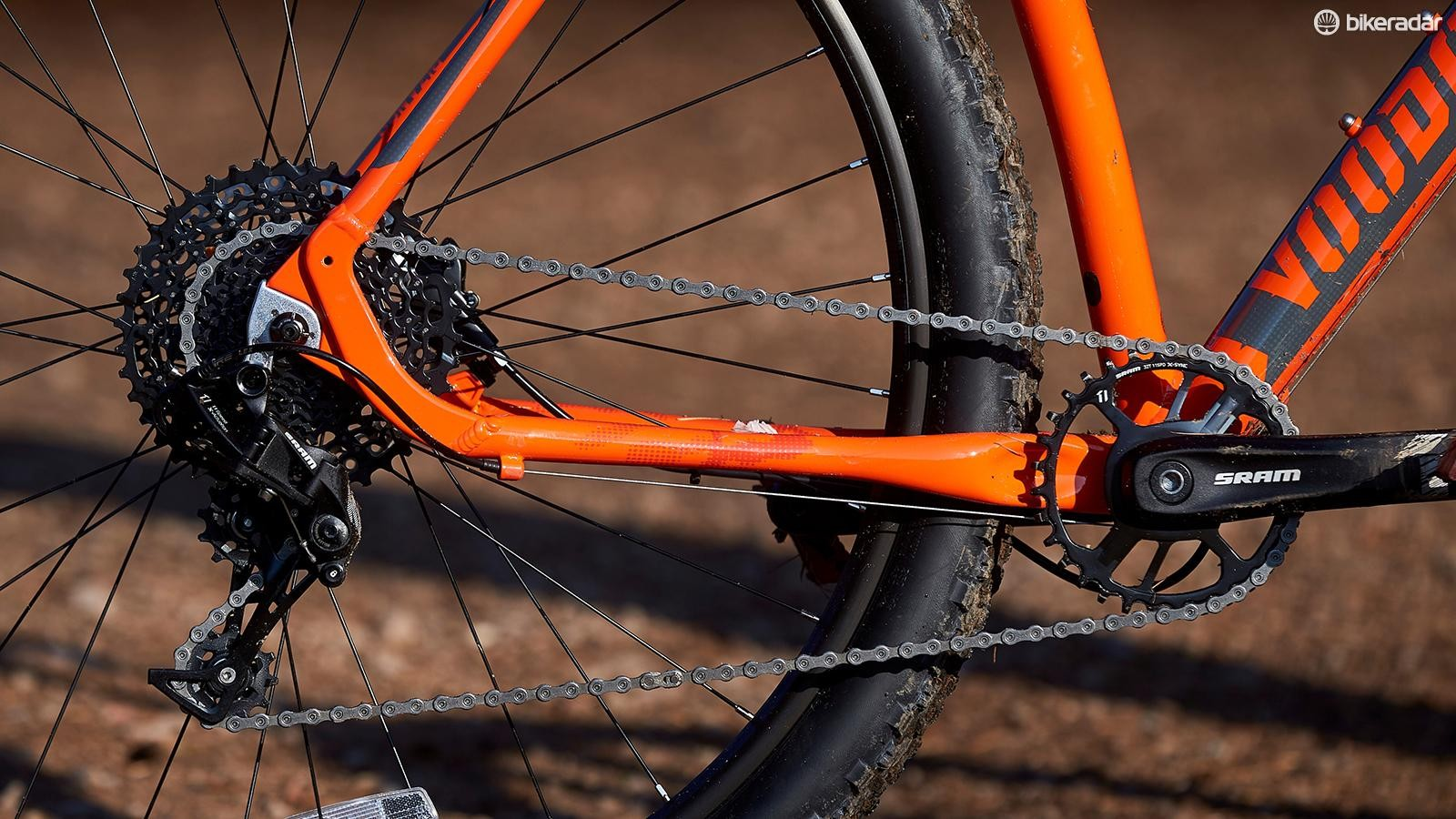 A SRAM NX 11-speed drivetrain is something to shout about at this price. It offers simple, secure and intuitive shifting