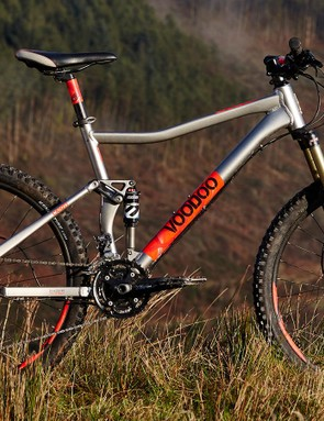 VooDoo's Canzo delivers the goods at a price point where we'd normally be fearing to mount full-sus machines