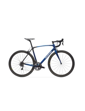 The Van Rysel Ultra 940 CF Dura-Ace is also available with Mavic Cosmic Pro Carbon SL UST wheels