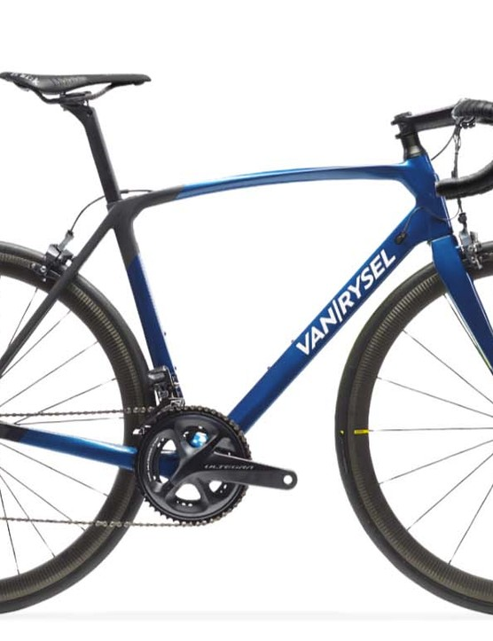 At the top of the range is the Van Rysel Ultra 940 CF Ultegra Di2