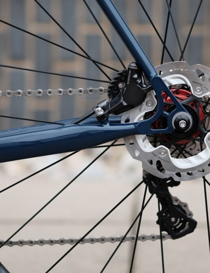 Disc brakes provide ample stopping power - handy for the urban rider