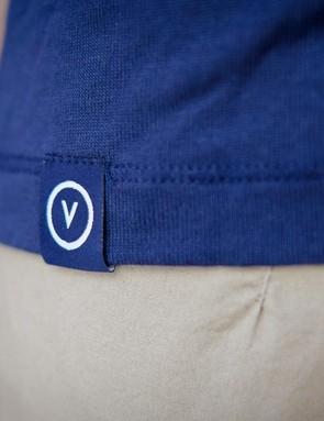 Detailing on the Vulpine women's Silk Air t-shirt