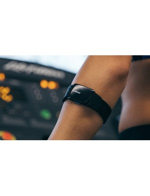 The new Tickr Fit claims to combine the accuracy of a chest strap with the comfort and convenience of a wrist monitor