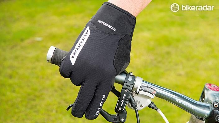 Gloves for commuting often have reflective elements, which helps drivers see signals more clearly