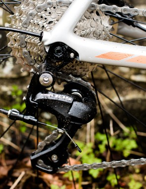 A Shimano 105 groupset with 11-32t cassette is reliable and gives a good range of gears