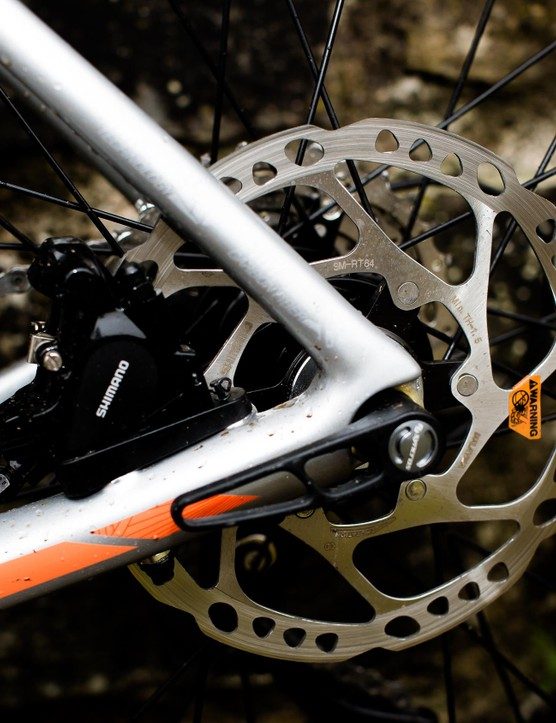 Hydraulic disc brakes work well in wet weather