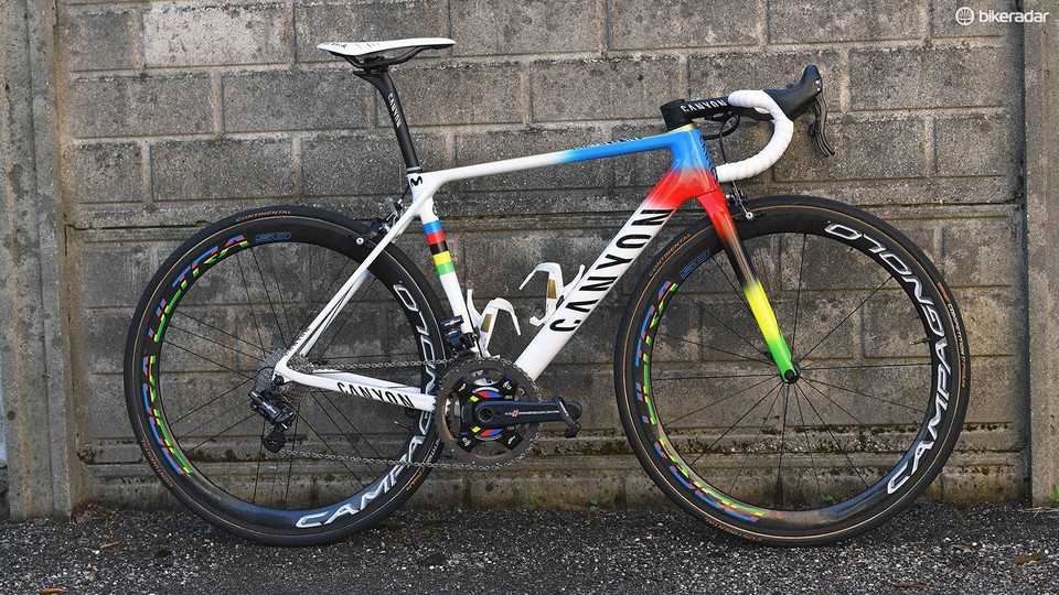 Valverde presented with rainbow-edition Canyon Ultimate