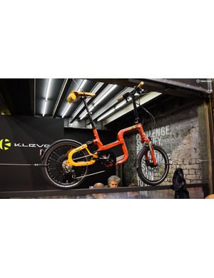 This funky urban e-bike from Klever Mobility is renowned frame builder Dario Pegoretti's personal ride, which he painted himself