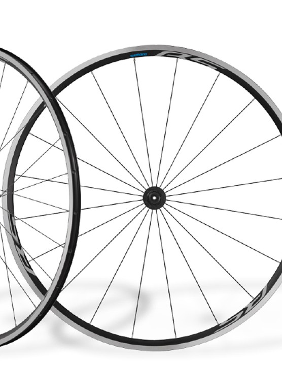 The WH-RS100-CL wheelset