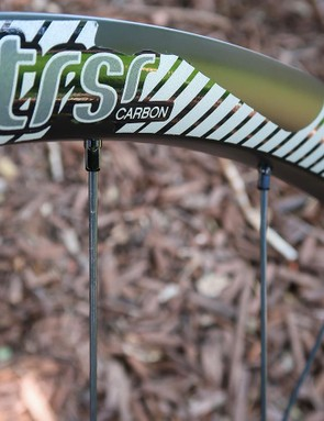 The new e*thirteen TRS Race SL Carbon wheelset is stronger, lighter and cheaper than its predecessor