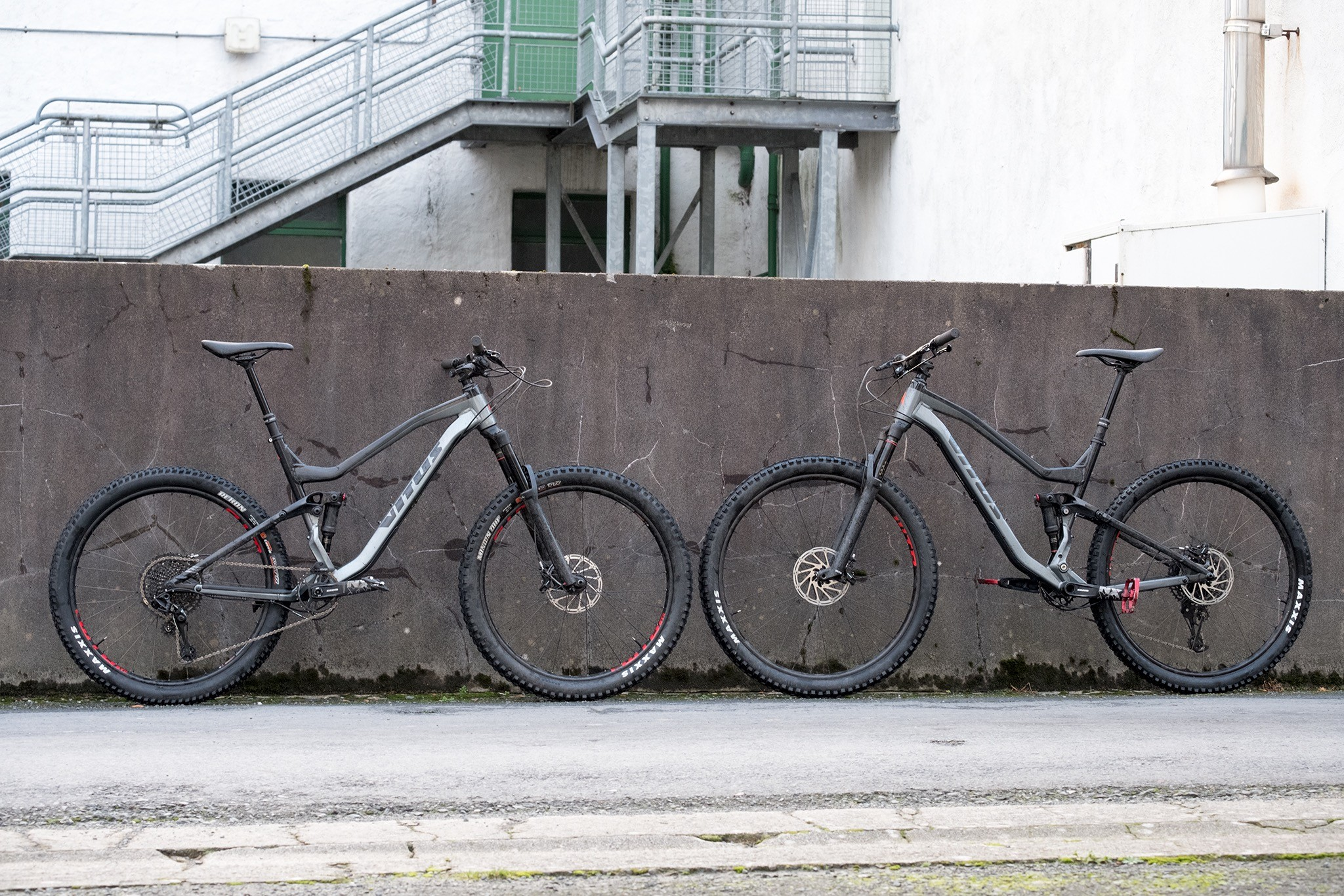 We spent three days in Northern Ireland trying out both the 27.5 and 29er version of the Escarpe