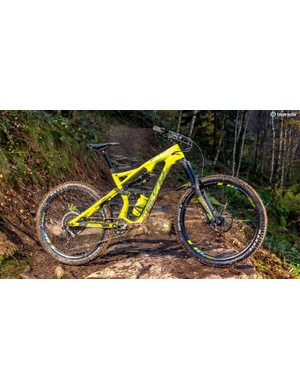 The Whyte feels incredibly composed at speed, but the low bottom bracket takes some getting used to