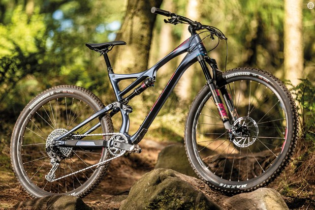 It may have the same 120mm of travel as the old T-129, but Whyte's new 29er is longer, slacker and has tons more tyre clearance