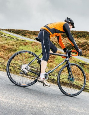 The 160mm rotors give the Rival brakes extra poke to control faster off-road riding and road descents