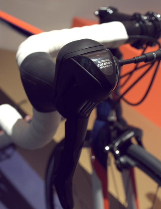 The top of the range Rouen features Shimano Sora shifters and derailleurs