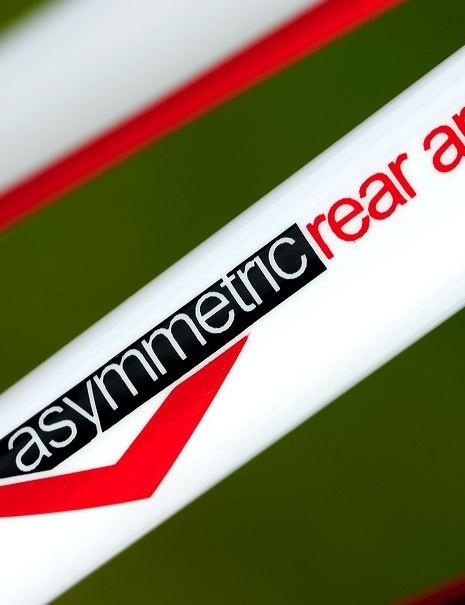 Asymmetric rear arms!