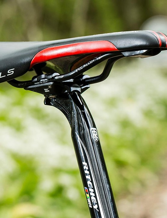 We found the 27.2mm seatpost excessively twangy