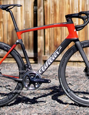 The Wilier Cento10NDR is a shape-shifting mullet: aero up front, micro-suspension in the back with options for disc and rim brakes